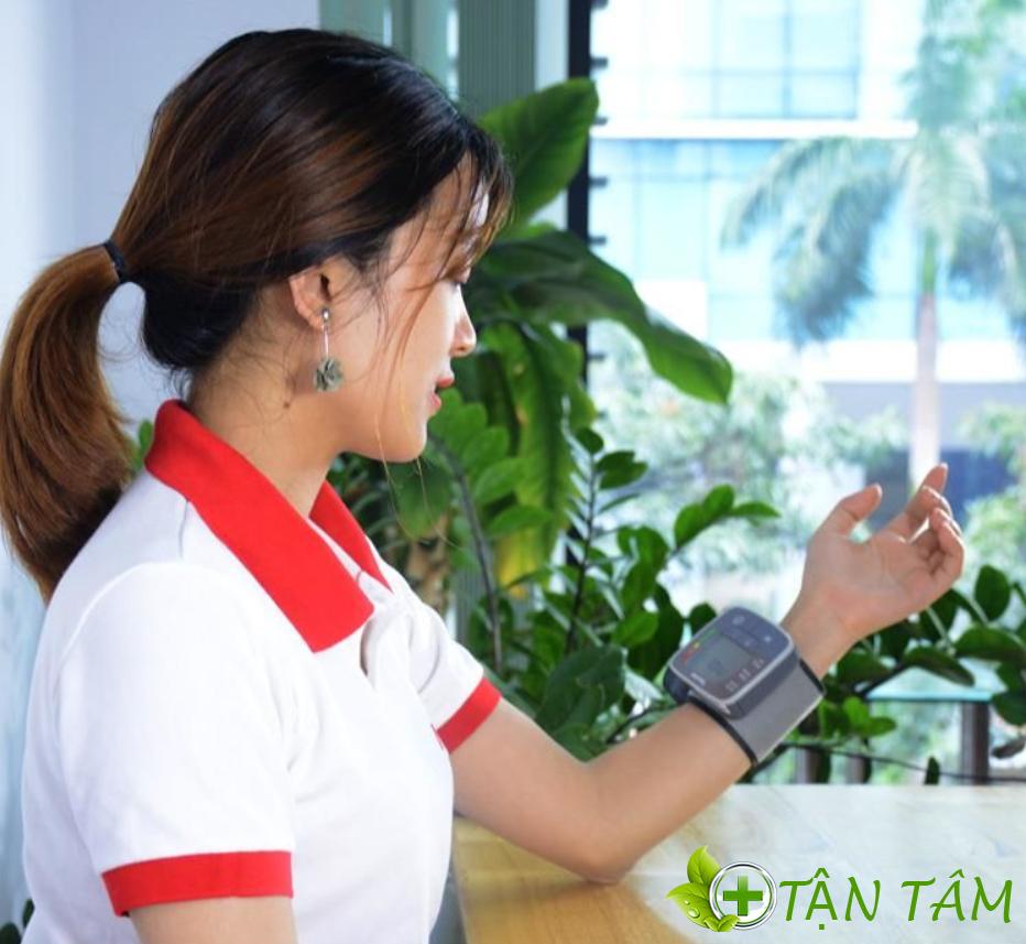 Cách đo huyết áp với máy đo huyết áp beurer bm40 đúng chuẩn