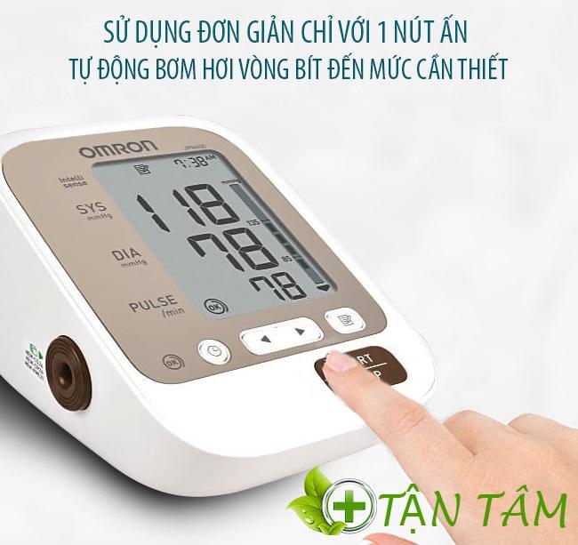 Cách đo bằng máy đo huyết áp Omron JPN600 vô cùng đơn giản