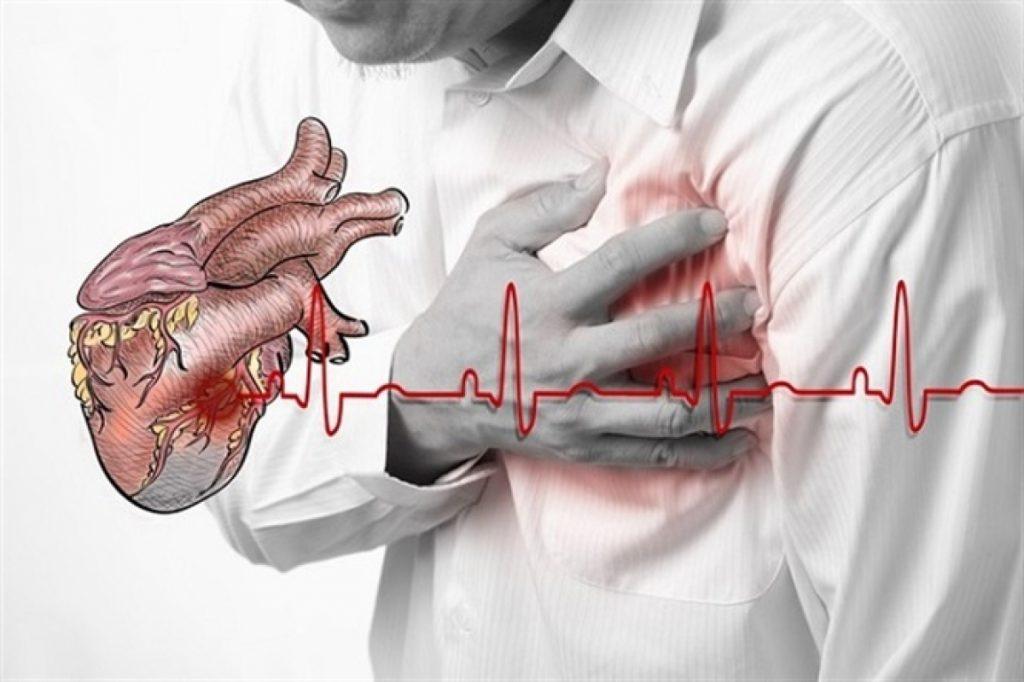 đau ngực trái có những biến chứng nguy hiểm