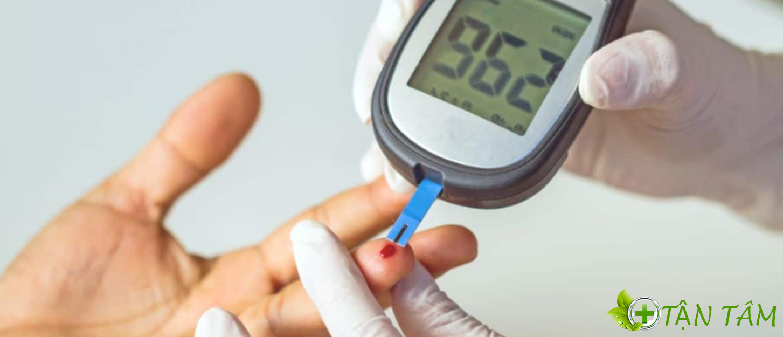 Cách sử dụng của sản phẩm máy đo đường huyết Accu Chek Instant