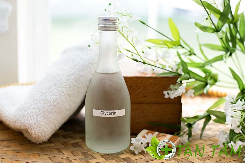 Glycerin dùng trong dưỡng ẩm và chống lão hóa