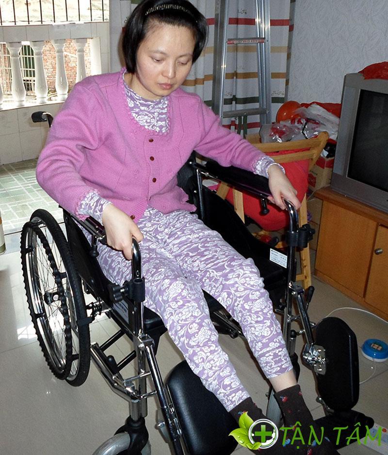 Xe lăn là một thiết bị y tế giúp người bệnh có thể dễ dàng di chuyển