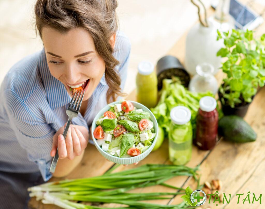 thèm ăn là một trong những dấu hiệu khi mang thai